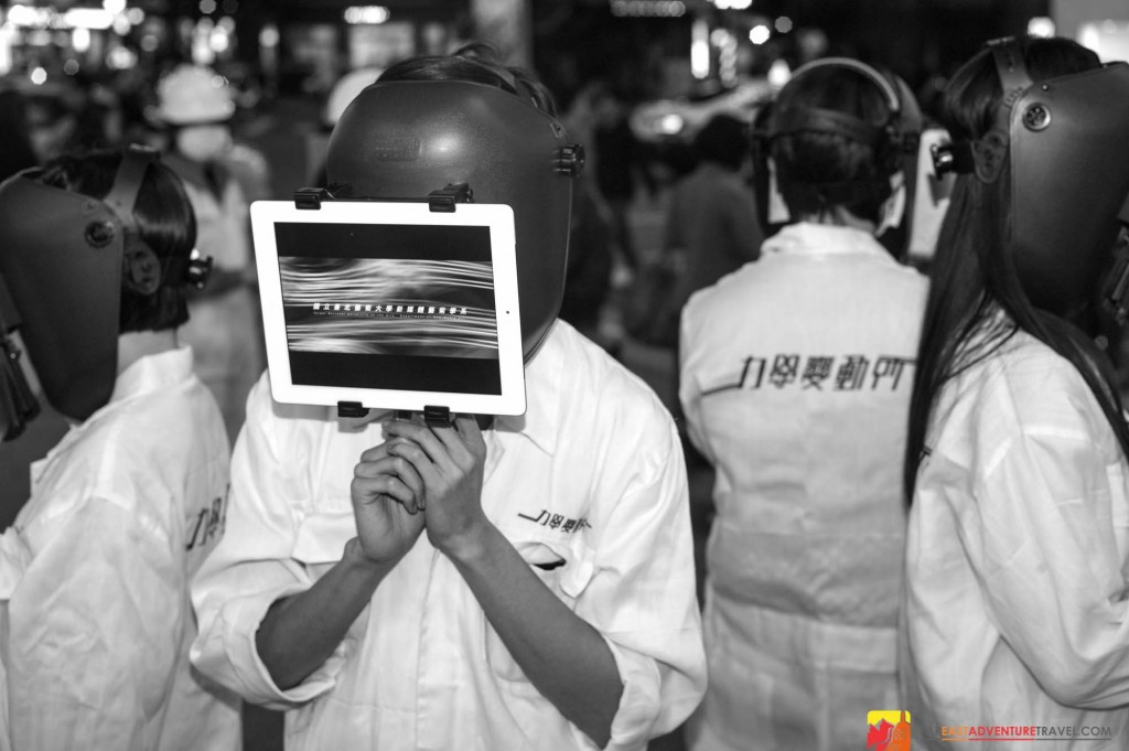 National Taipei University Of Arts students take their interactive media arts project to the streets of Taipei with iPad men